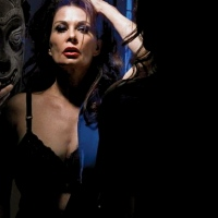 Hot Actress #385 - Jane Badler:Sex Bomb