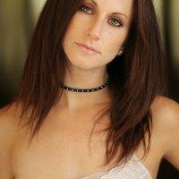 Sizzling Cutie: Amanda Barton