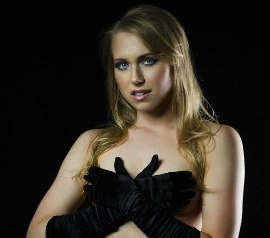 Michelle Ellen Jones Nude Photos 30