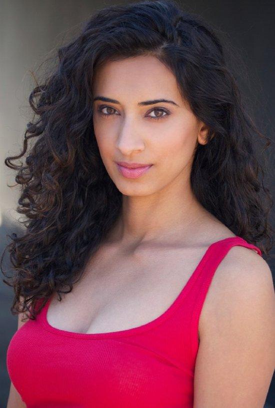 actress hina khan trafficked