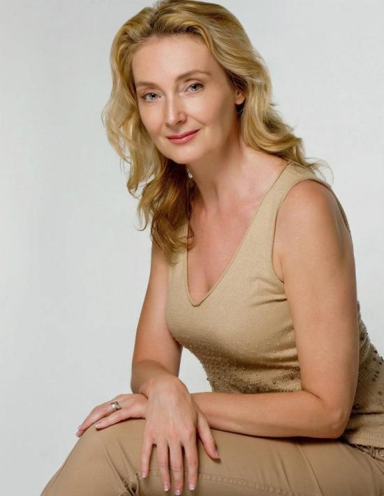 actress andrea sooch claws