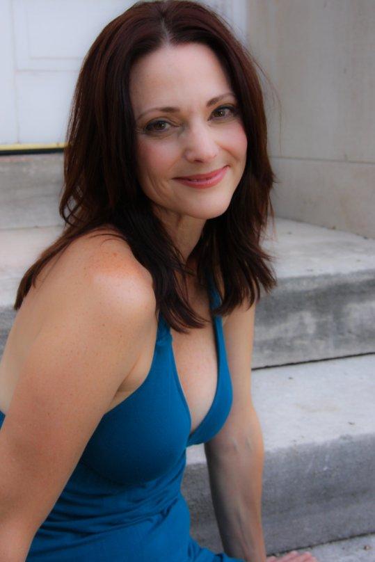 actress rebecca lines