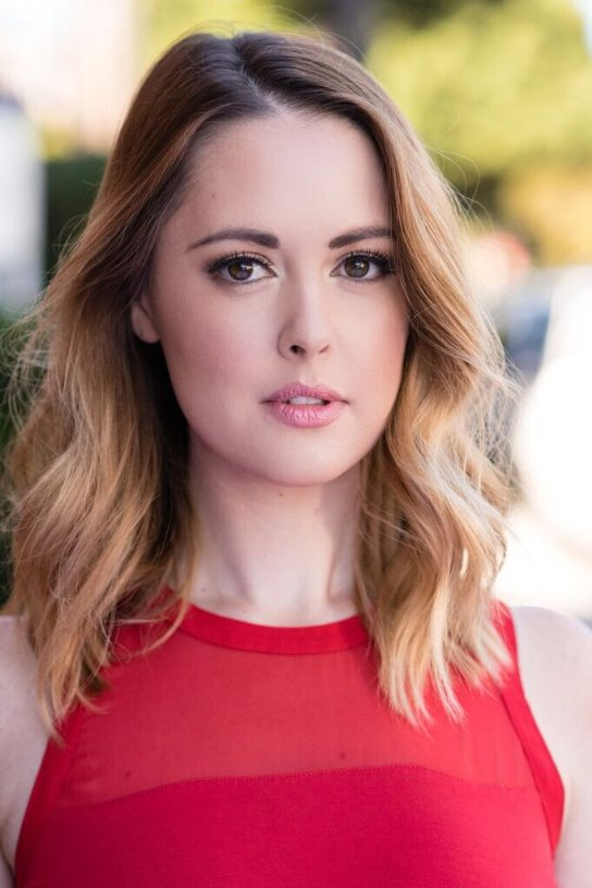 actress aynsley bubbico famous in love