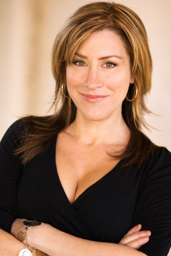 actress lisa ann walter glow