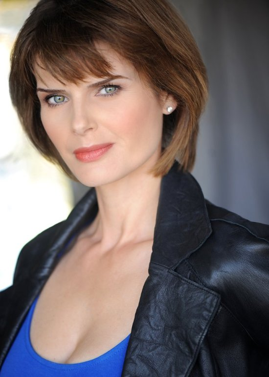 actress carrie genzel season's greetings