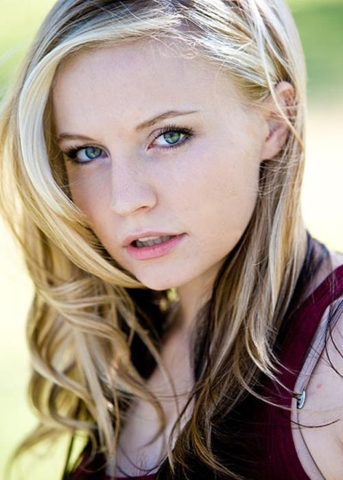actress lindsey haun bones