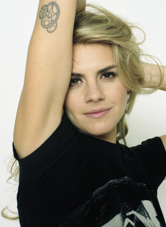 actress eliza coupe future man